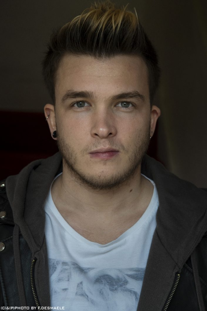 Josh Devine Portrait by Francesco Desmaele